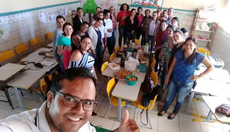 Dia D: As escolas da rede discutem a Base Nacional Comum Curricular (BNCC) com seus professores