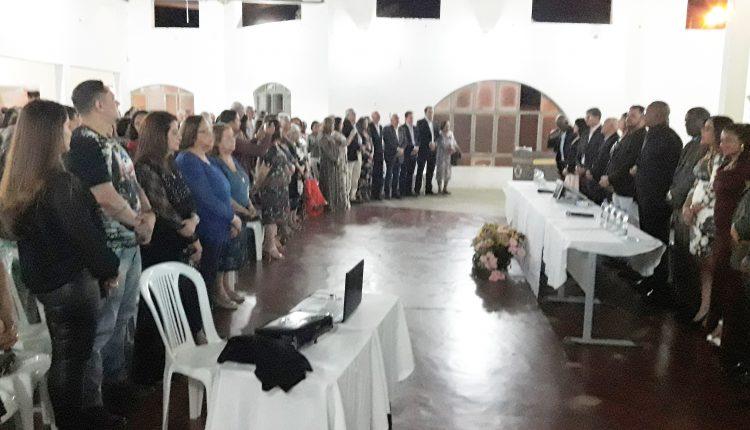 Câmara realiza entrega do Título de Cidadão Honorário de Ibiassucê ao Senhor Deusdedit Meira Prates