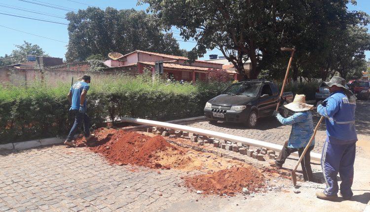 Prefeitura inicia troca e ampliação da rede de esgoto na Rua São Paulo