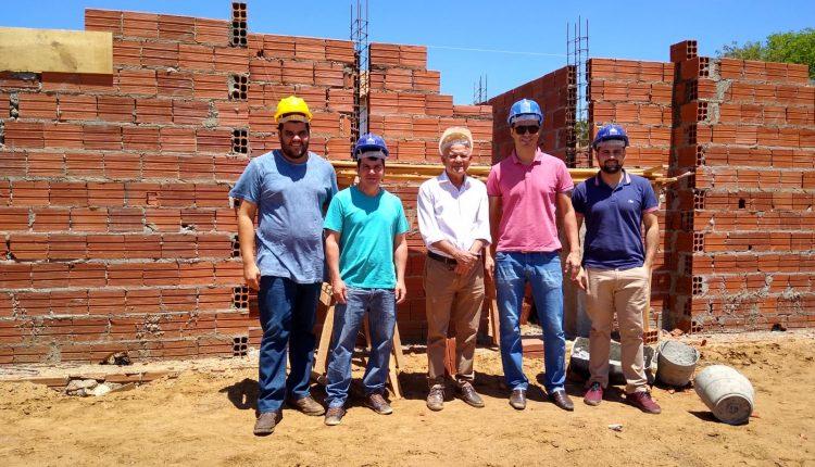 Governo de Reconstrução Inicia construção da Quadra Poliesportiva da Escola Quilombola Egídio de Brito Gondim.