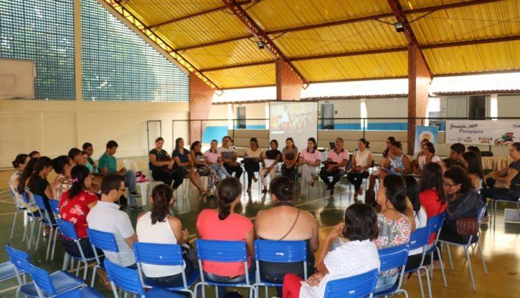 Setor Municipal de Alimentação Escolar de Ibiassucê realiza Encontro com Merendeiras e Merendeiros do Município.
