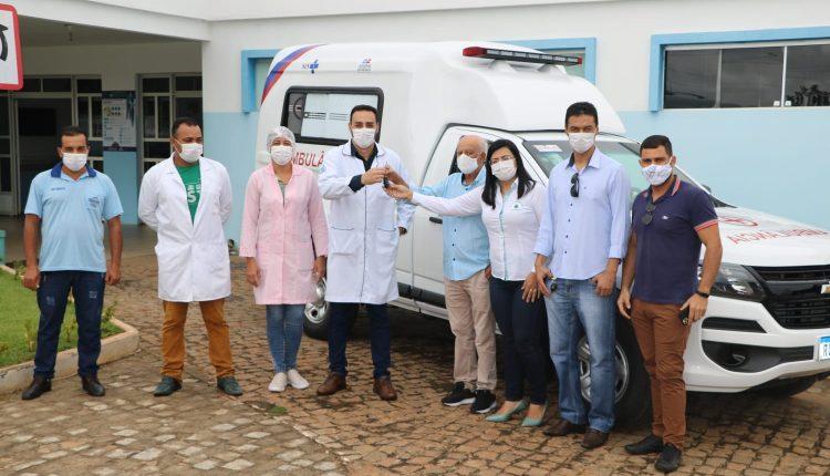 Prefeitura de Ibiassucê adquire nova ambulância para os serviços da saúde