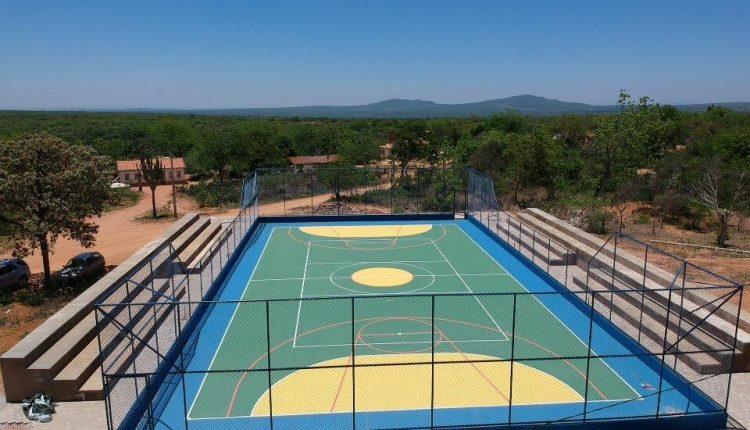 Prefeitura de Ibiassucê inaugura quadra poliesportiva na comunidade de Jabuticaba