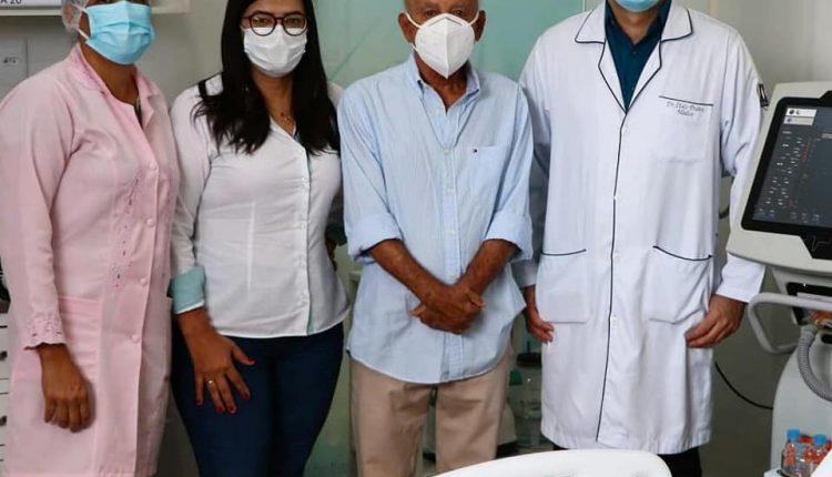Prefeitura Municipal de Ibiassucê adquire com recursos próprios  mais um respirador para o Hospital Municipal São Sebastião (HMSS)